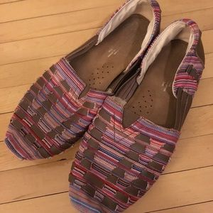 Toms espadrille style shoes